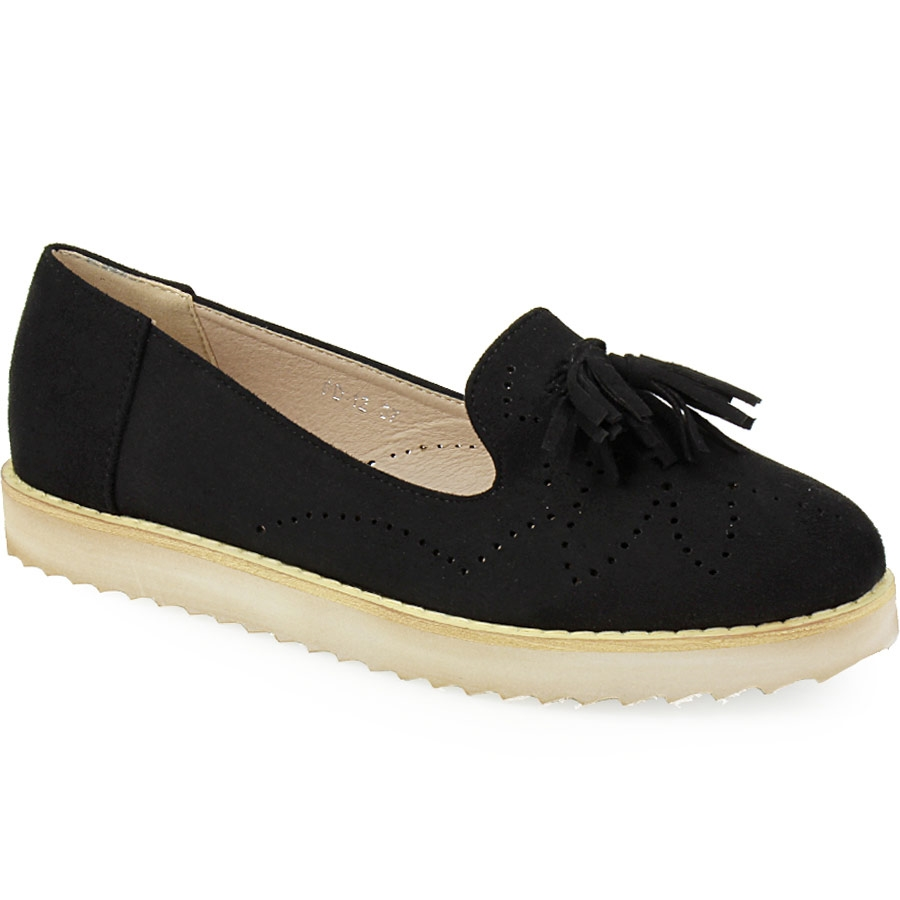 Γυναικεία loafers με διακοσμητικά κροσάκια Μαύρο