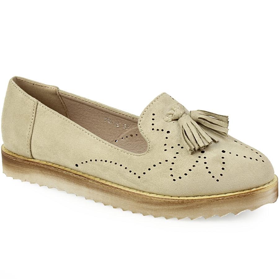 Γυναικεία loafers με διακοσμητικά κροσάκια Μπεζ