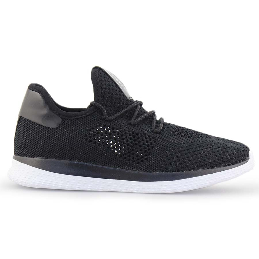 Γυναικεία sneakers με λεπτομέρειες Μαύρο