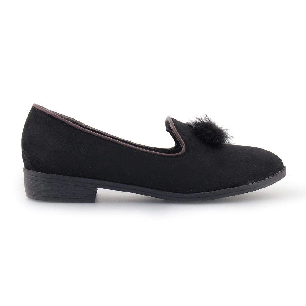 Γυναικεία loafers με φουντάκι Μαύρο