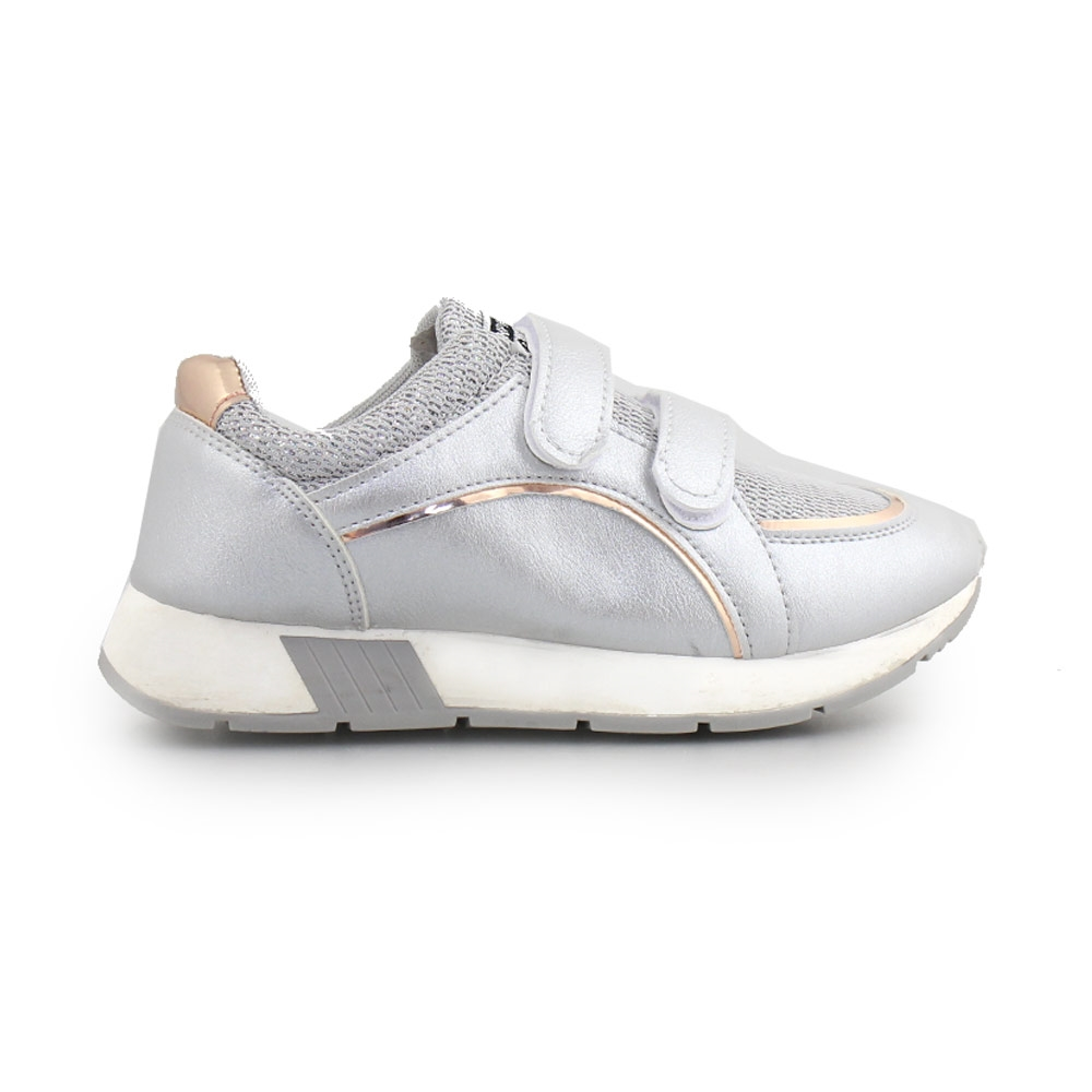 Παιδικά sneakers με μεταλλιζέ λεπτομέρεια και αυτοκόλλητα Ασημί