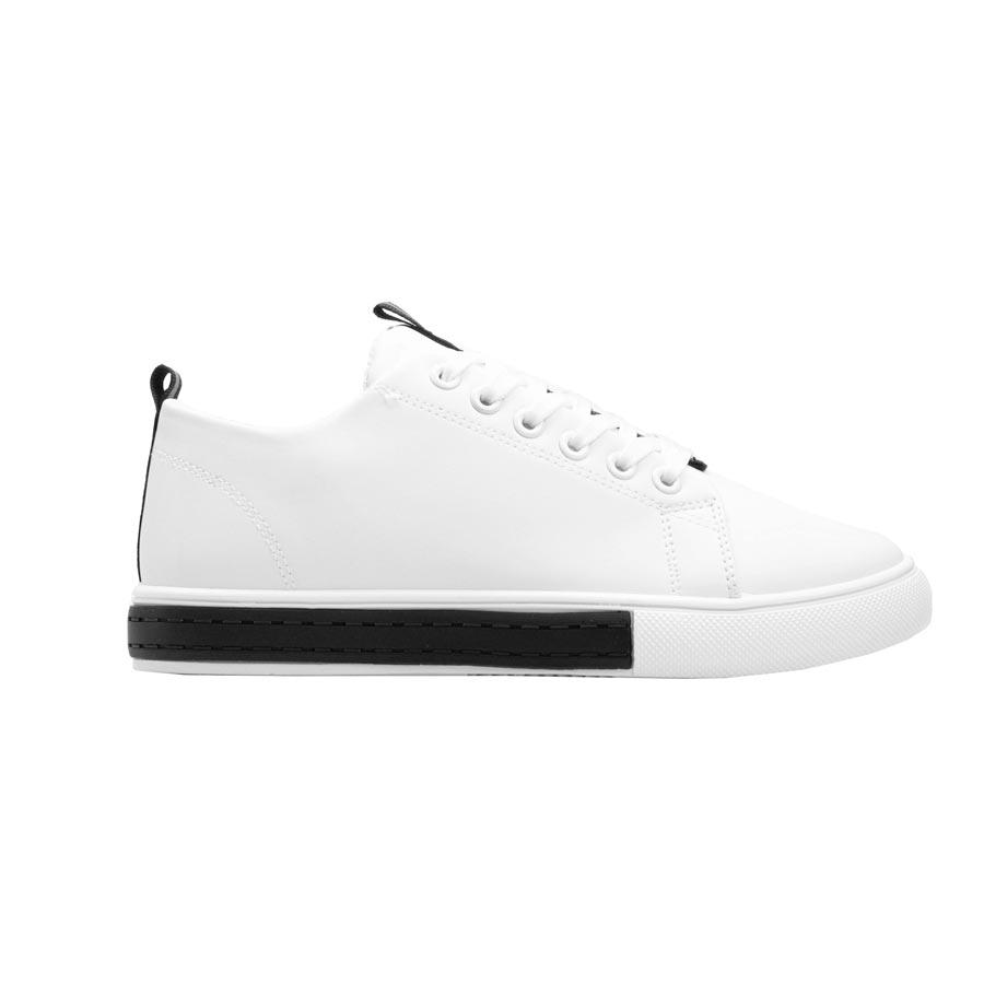 Γυναικεία sneakers με λεπτομέρεια στη σόλα Λευκό/Μαύρο