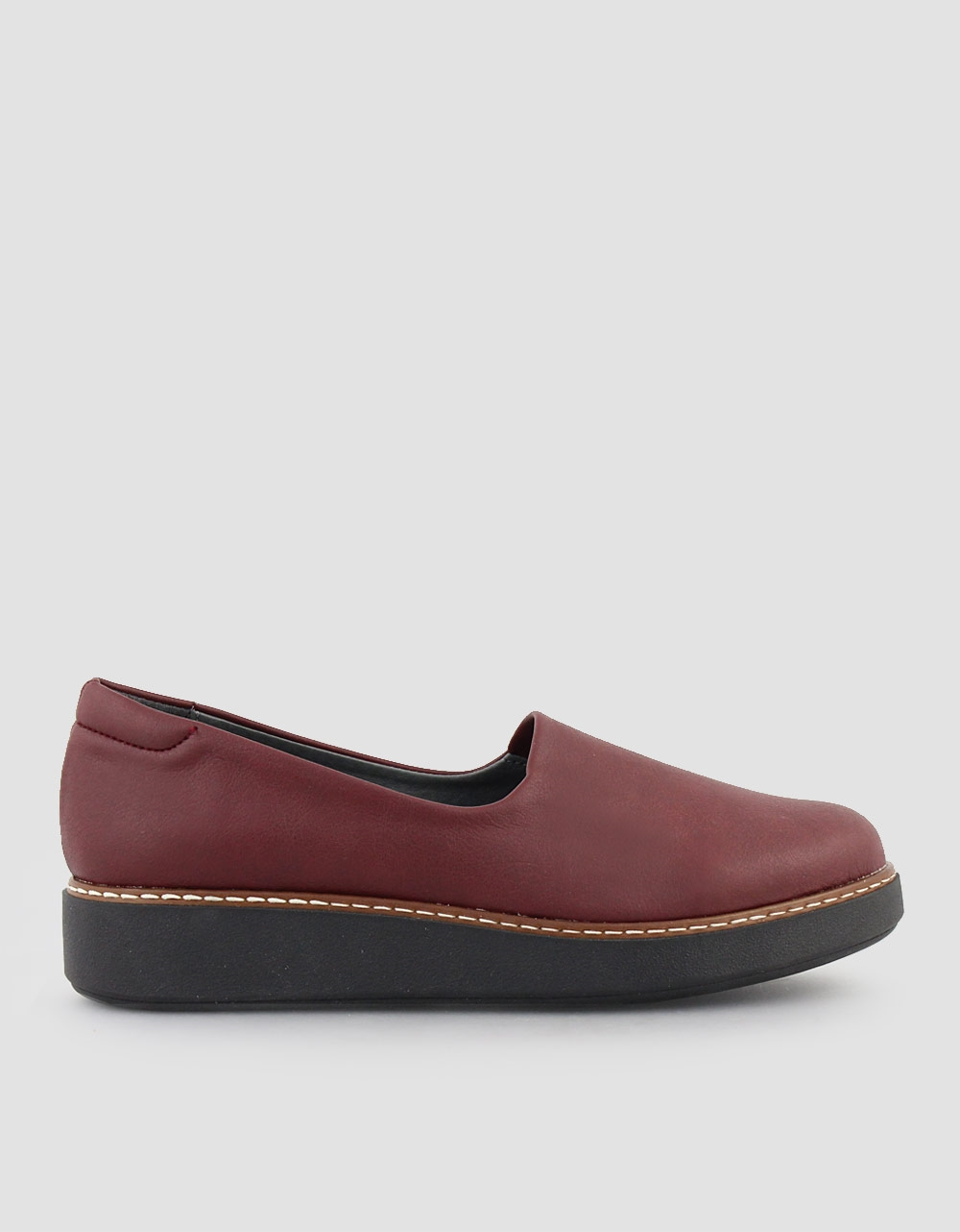 Εικόνα από Γυναικεία loafers σε απλή γραμμή Μπορντώ