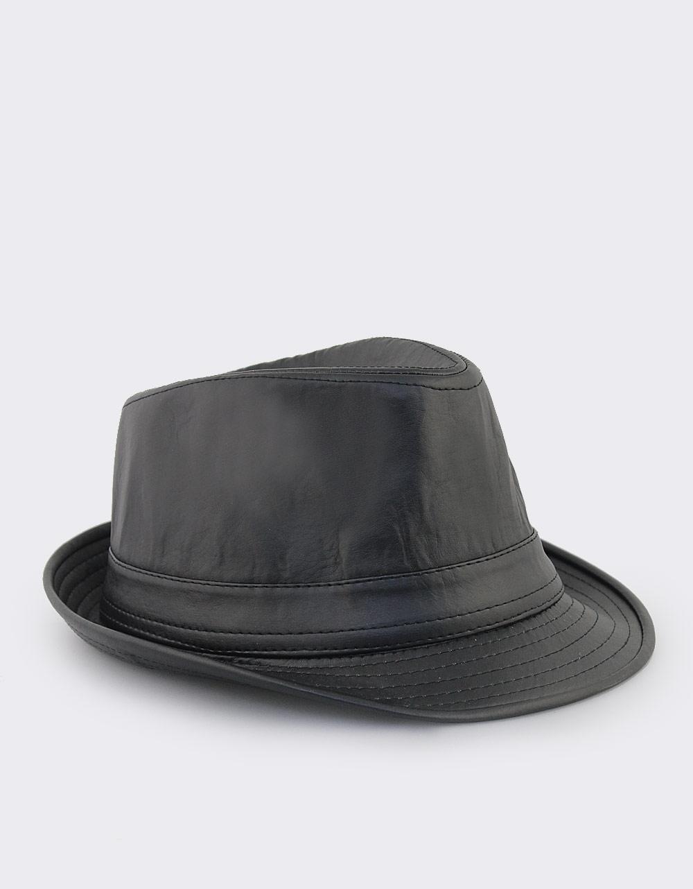 Εικόνα από Γυναικεία καπέλα μονόχρωμα Μαύρο