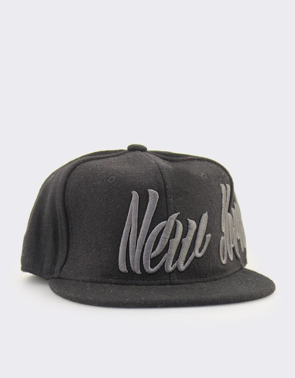 Εικόνα από Γυναικεια καπέλα με τύπωμα New York Μαύρο