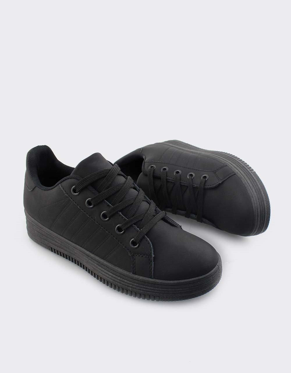 Εικόνα από Γυναικεία sneakers μονόχρωμα Μαύρο