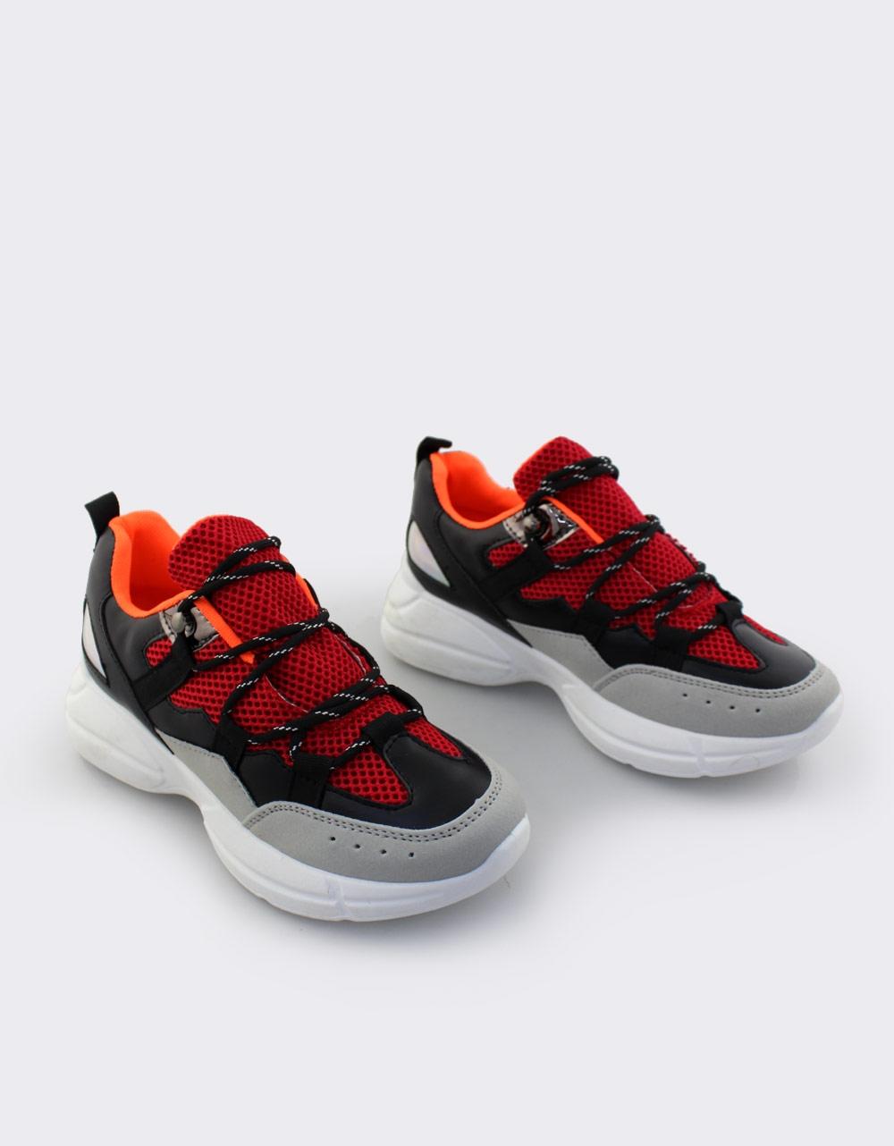 4b6a1b33b3b Inshoes.gr. Γυναικεία sneakers με ριγέ κορδόνια | Inshoes.gr Μαύρο