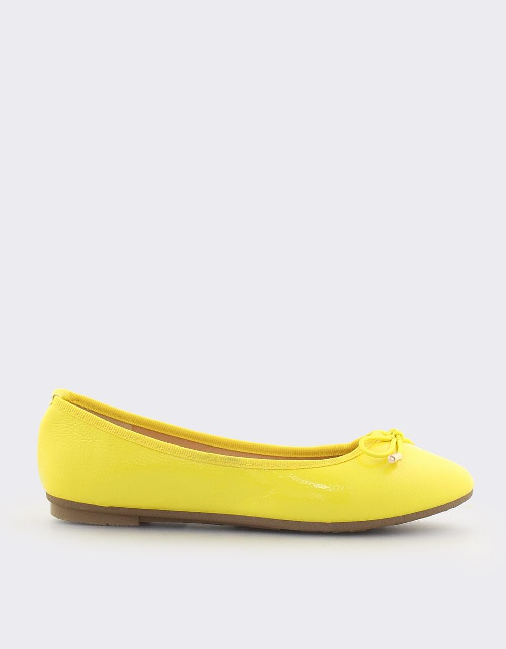 Εικόνα από Γυναικείες μπαλαρίνες λουστρίνι Κίτρινο