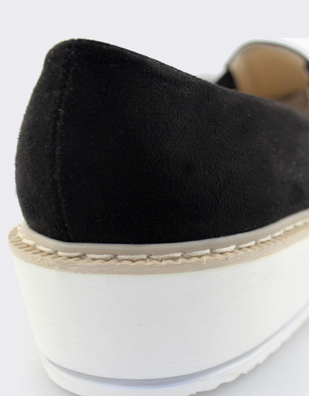 Εικόνα από Γυναικεία loafers με διακοσμητικό φερμουάρ Μαύρο