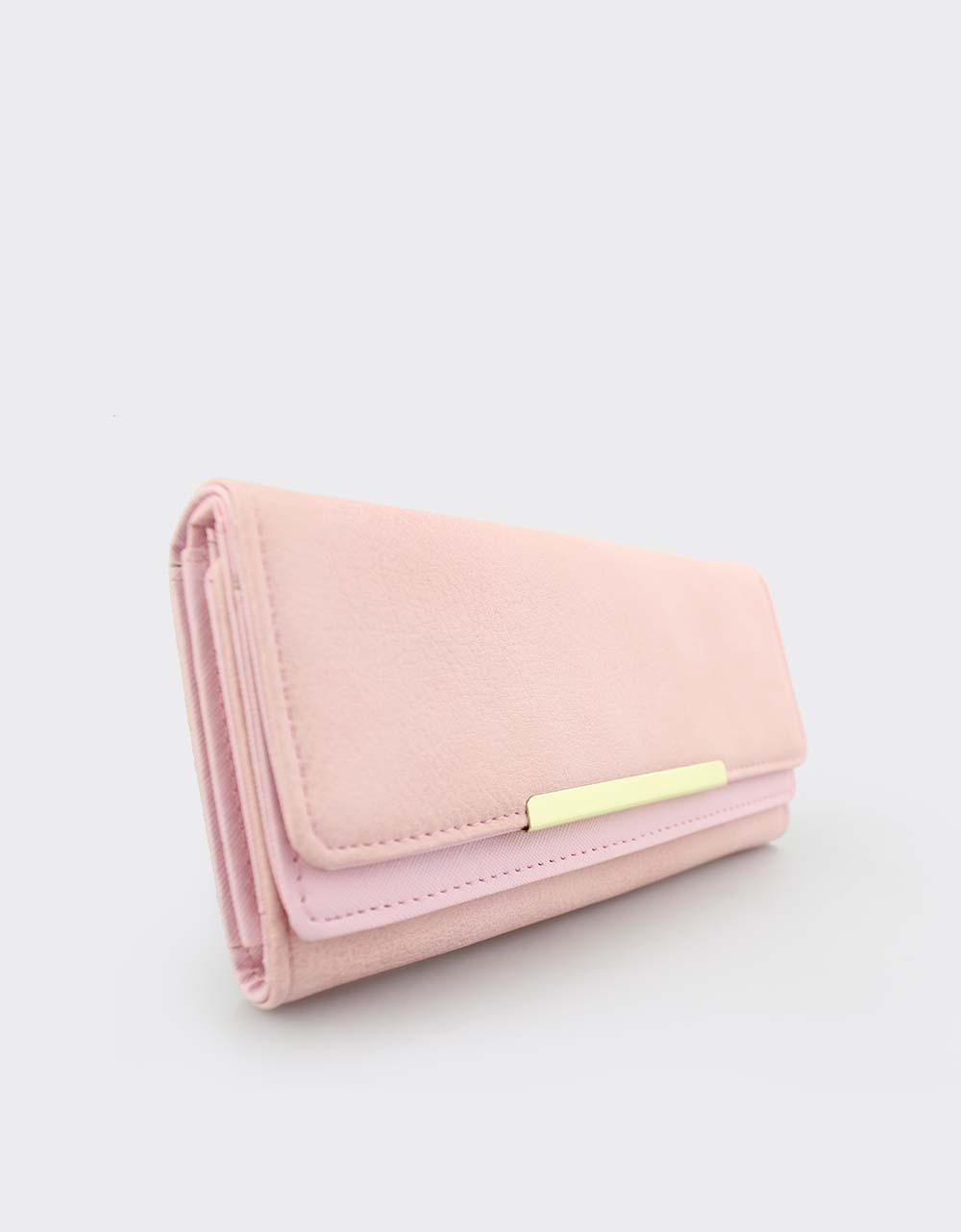 dea8157672 Εικόνα από Γυναικεία πορτοφόλια με μεταλλικό διακοσμητικό Ροζ