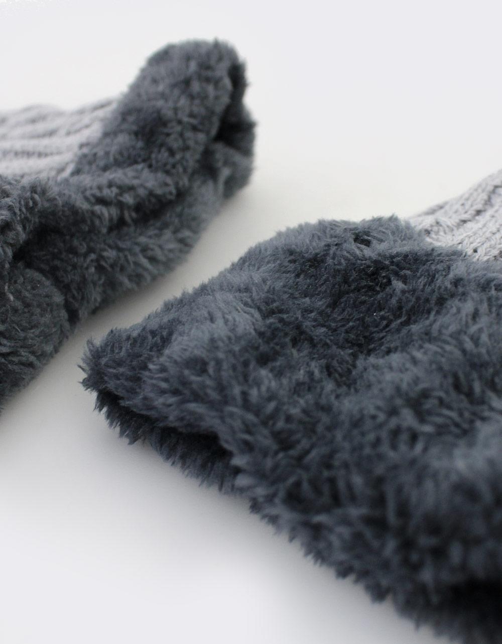 Εικόνα από Γυναικείοι σκούφοι με σετ κασκόλ Γκρι/Μαύρο