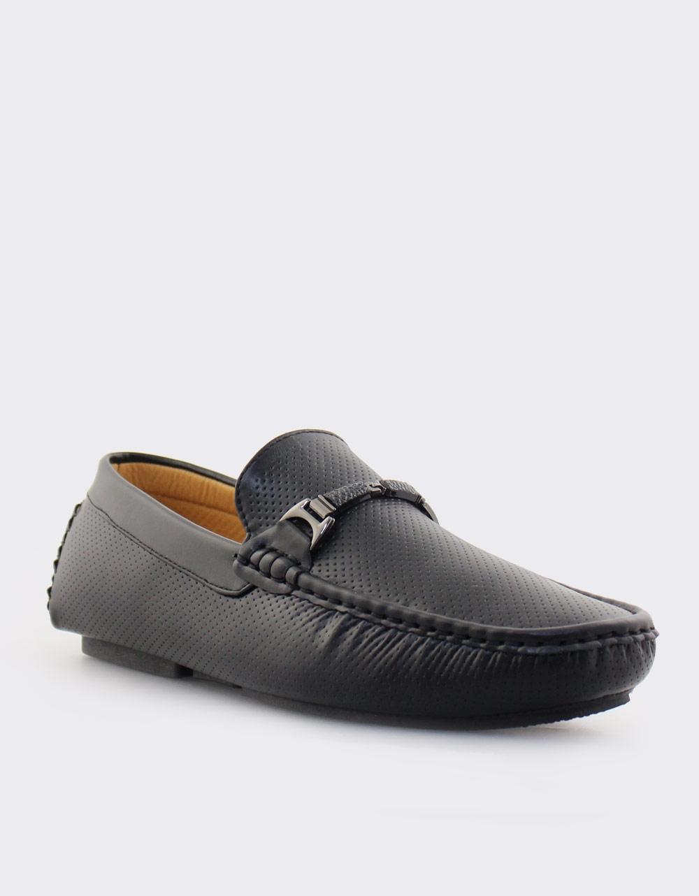 Εικόνα από Ανδρικά loafers με λεπτομέρειες Μαύρο
