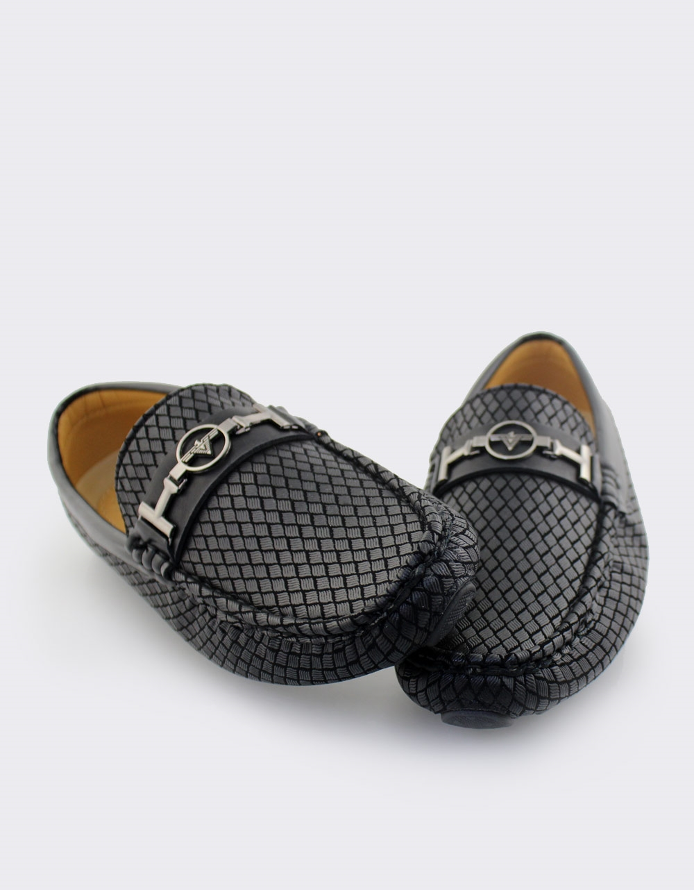 Εικόνα από Ανδρικά loafers με ανάγλυφες λεπτομέρειες Μαύρο