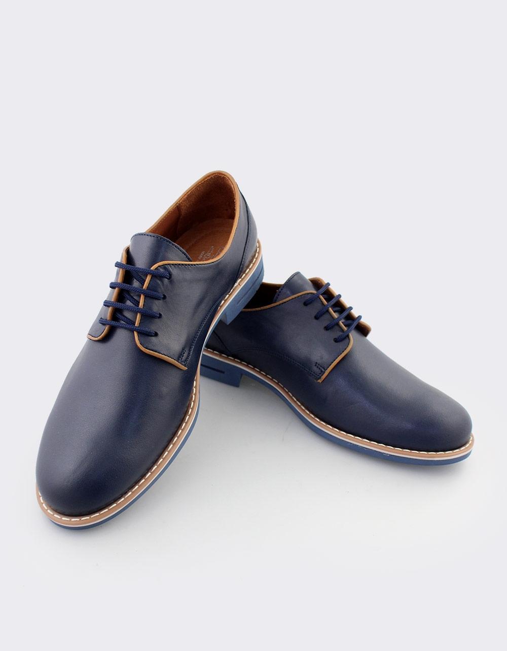 a28b4ca075 Inshoes.gr. Ανδρικά loafers δερμάτινα με δίχρωμη λεπτομέρεια ...
