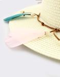 Εικόνα από Γυναικεία καπέλα με χρωματιστά φτερά Μπεζ