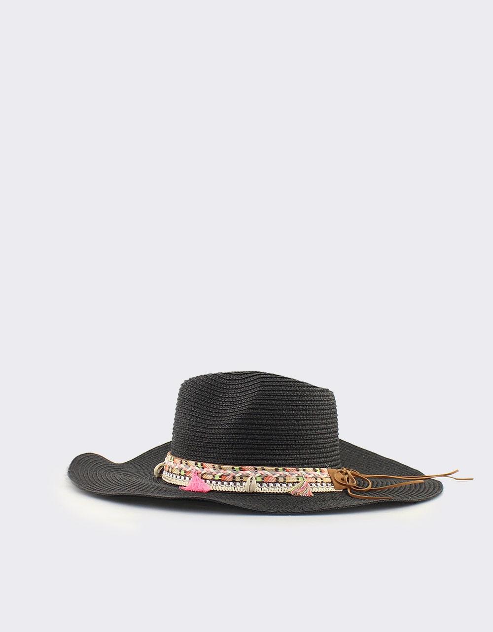 b5b3c3f6d6 Εικόνα από Γυναικεία καπέλα με διακοσμητική φάσα Μαύρο