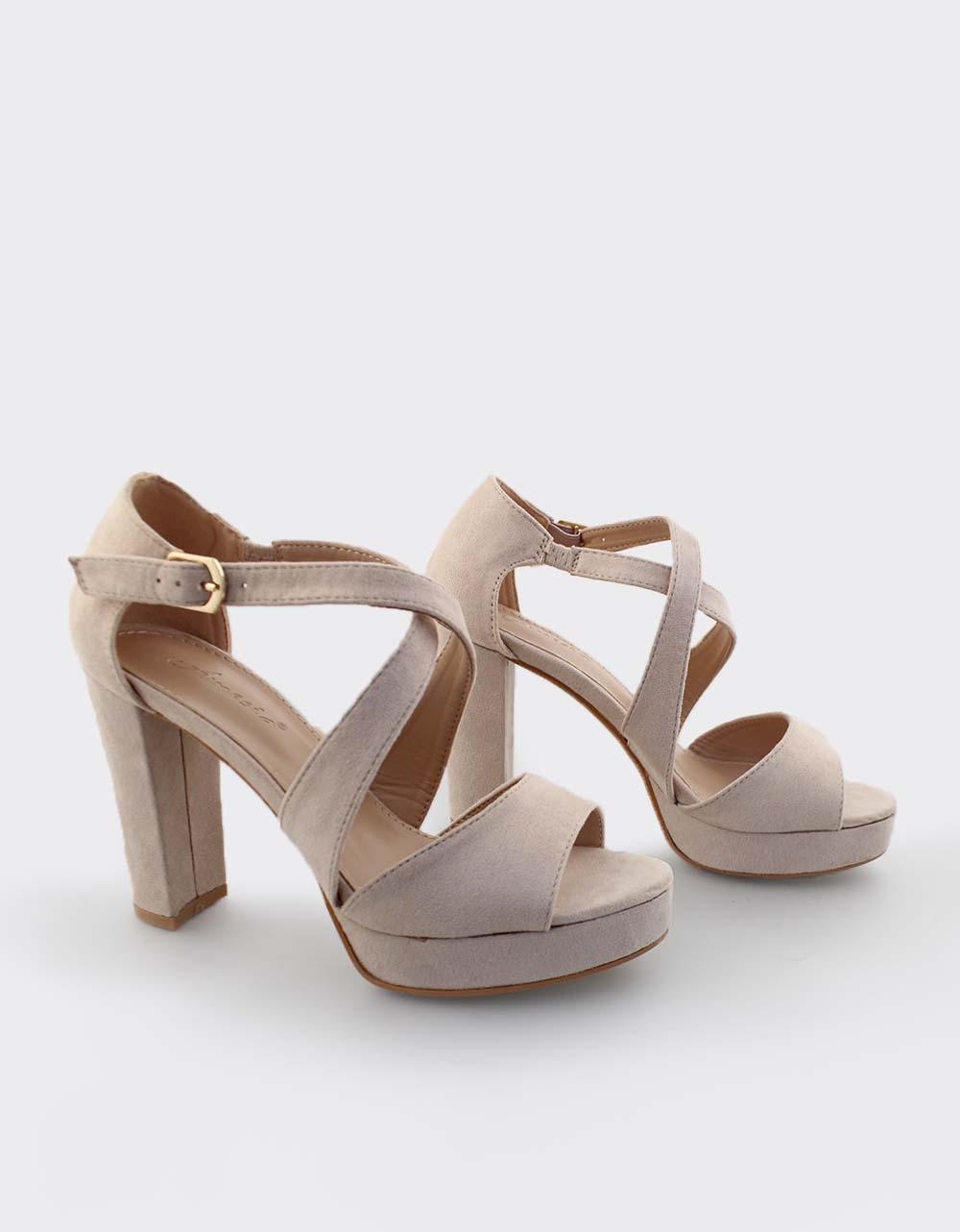 2f544255743 Inshoes.gr. Γυναικεία πέδιλα με χιαστί λουριά | Inshoes.gr Μπεζ