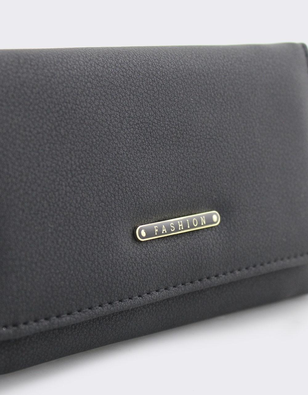 Εικόνα από Γυναικεία πορτοφόλια μονόχρωμα με μεταλλική λεπτομέρεια Μαύρο