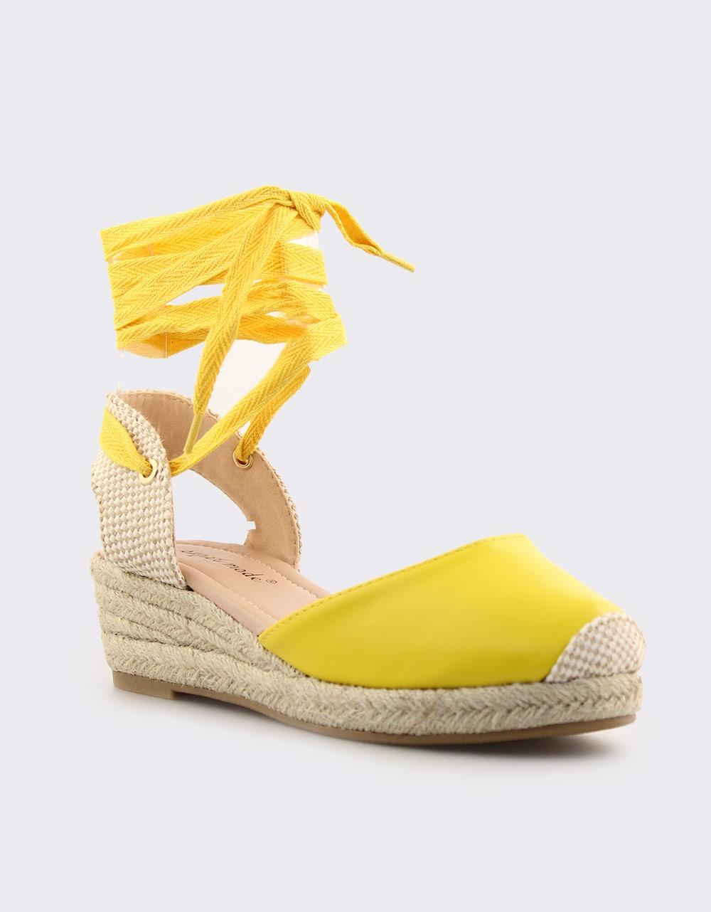 56aded79799 Γυναικείες εσπαντρίγιες σε απλή γραμμή Κίτρινο