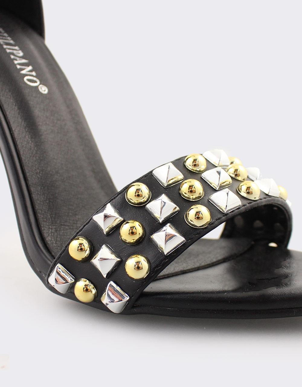 Εικόνα από Γυναικεία πέδιλα με διακοσμητικά stubs Μαύρο