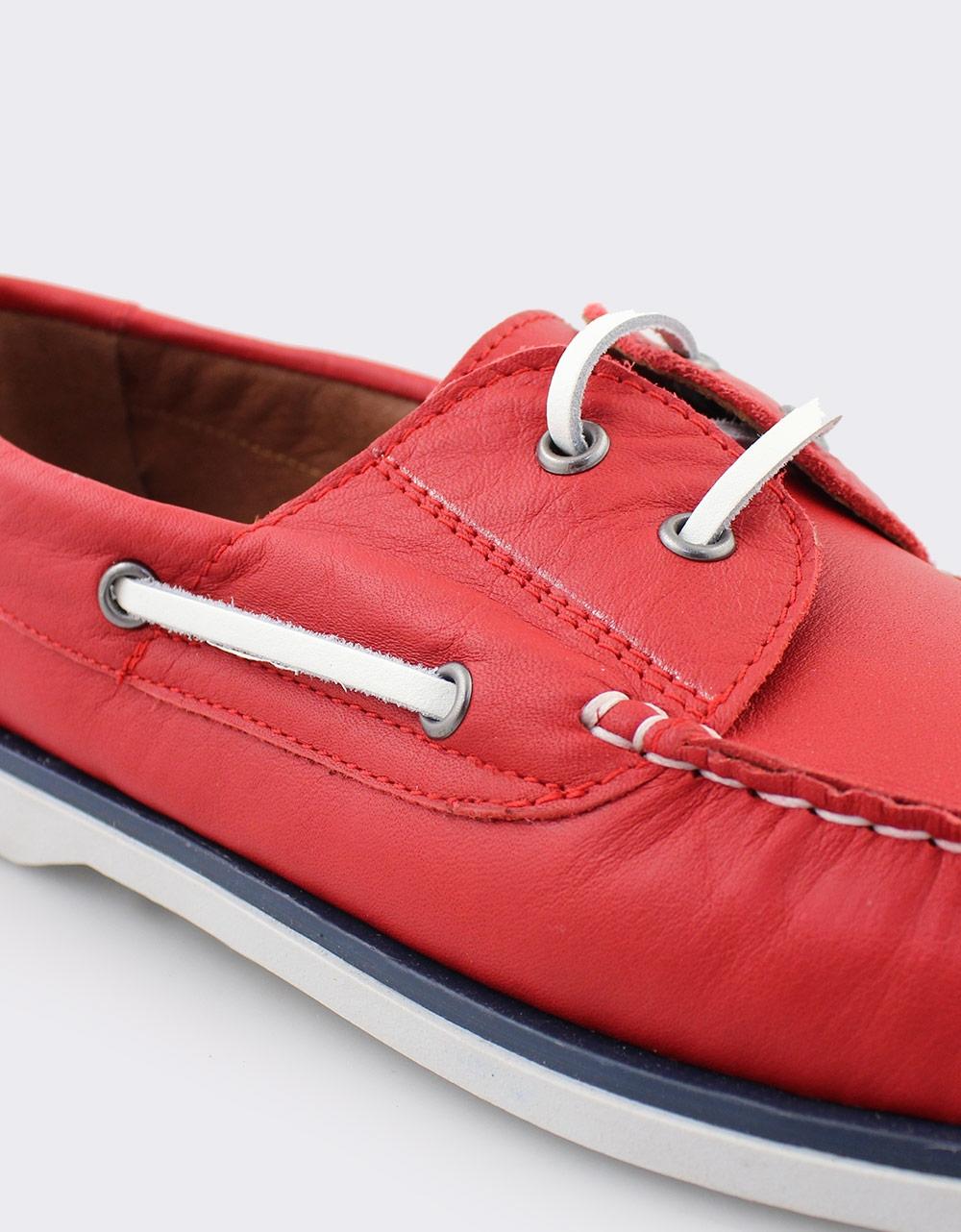 Εικόνα από Ανδρικά δερμάτινα loafers με περιμετρικά κορδόνια Κόκκινο