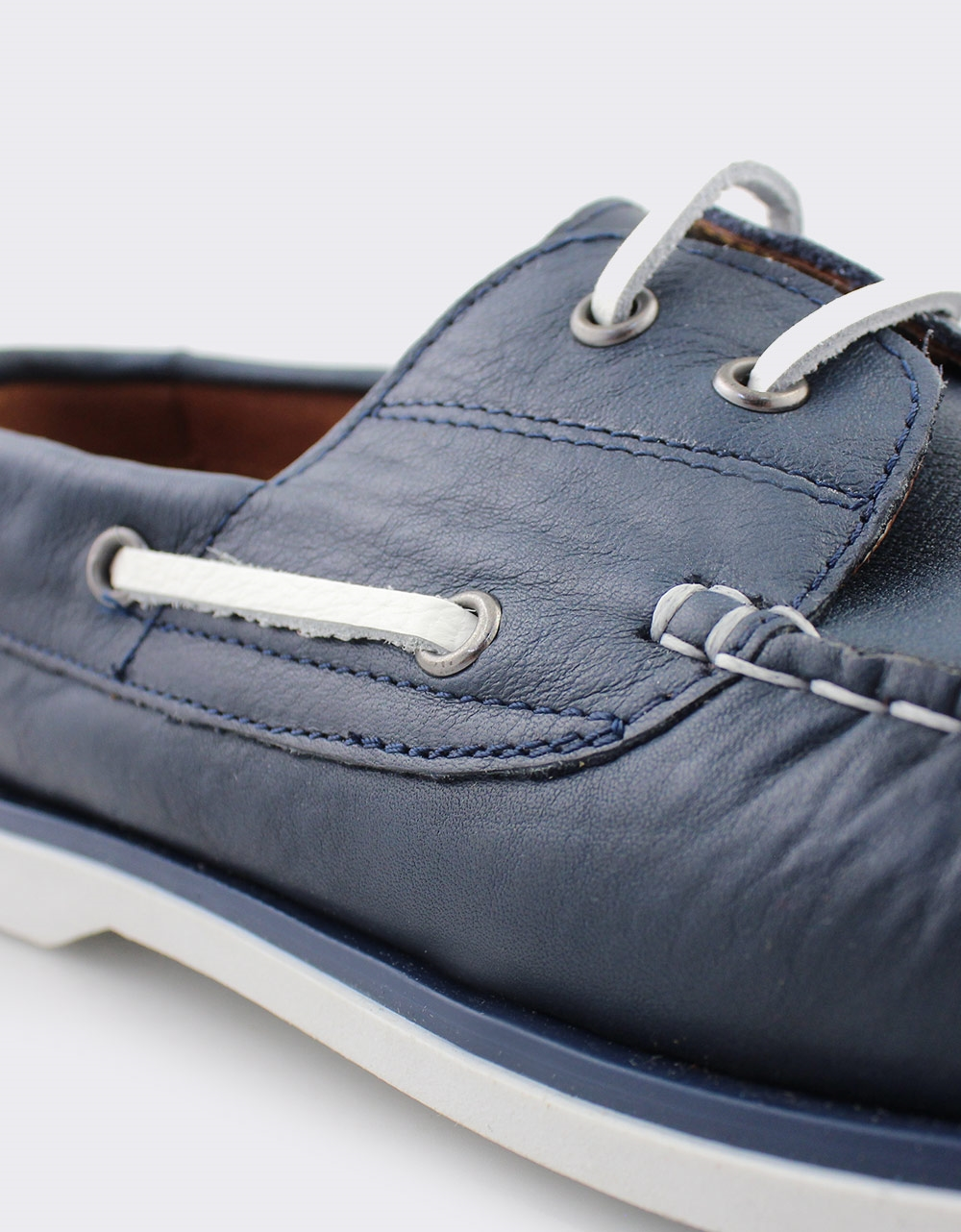 Εικόνα από Ανδρικά δερμάτινα loafers με περιμετρικά κορδόνια Μπλε