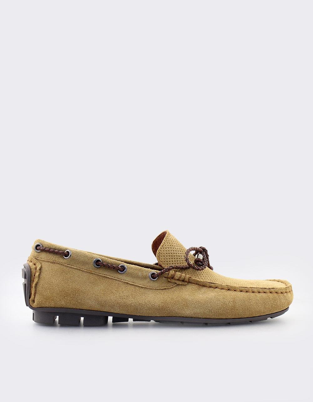 Εικόνα από Ανδρικά loafers καστόρινα με διακοσμητικά κορδόνια Κάμελ