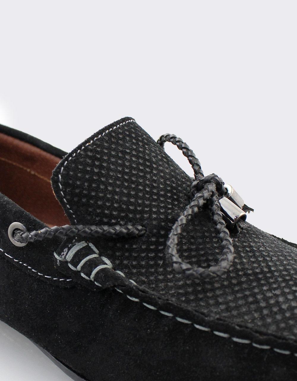 Εικόνα από Ανδρικά loafers καστόρινα με διακοσμητικά κορδόνια Μαύρο