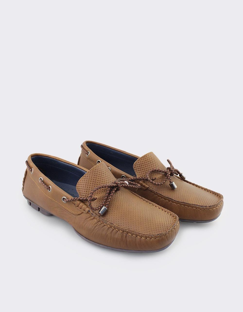 Εικόνα από Ανδρικά δερμάτινα loafers με διακοσμητικά κορδόνια Ταμπά