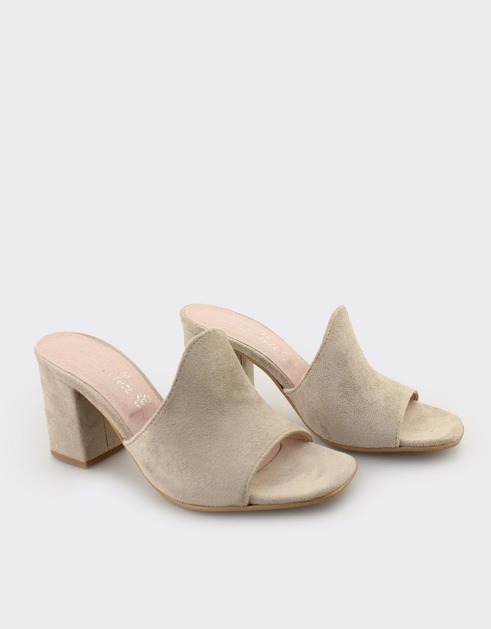 Εικόνα από Γυναικεία mules μονόχρωμα Πούρο