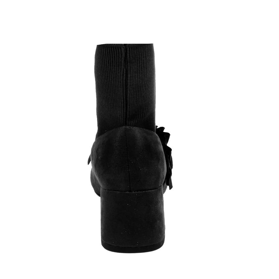 Εικόνα από Αγόρασε Γυναικεία μποτάκια με βολάν Μαύρο