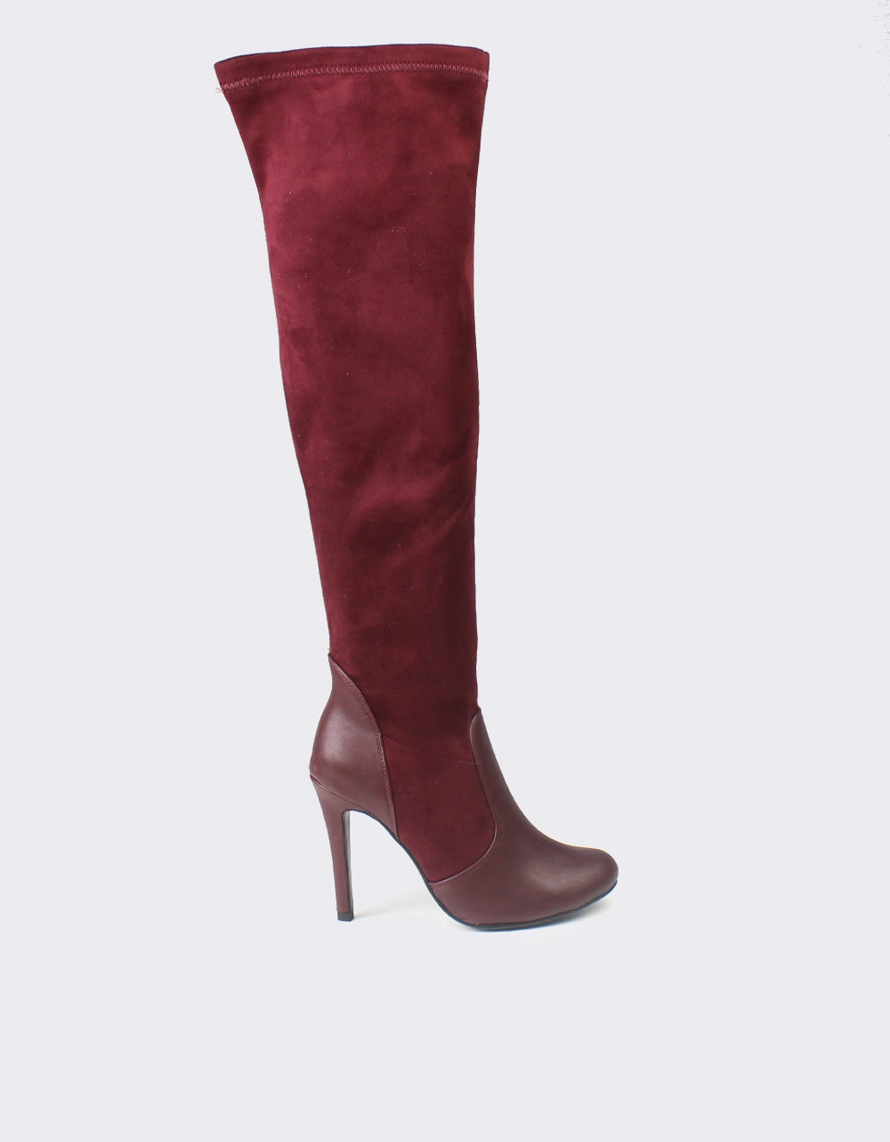 Εικόνα από Γυναικείες μπότες με λεπτομέρειες από δερματίνη Μπορντώ