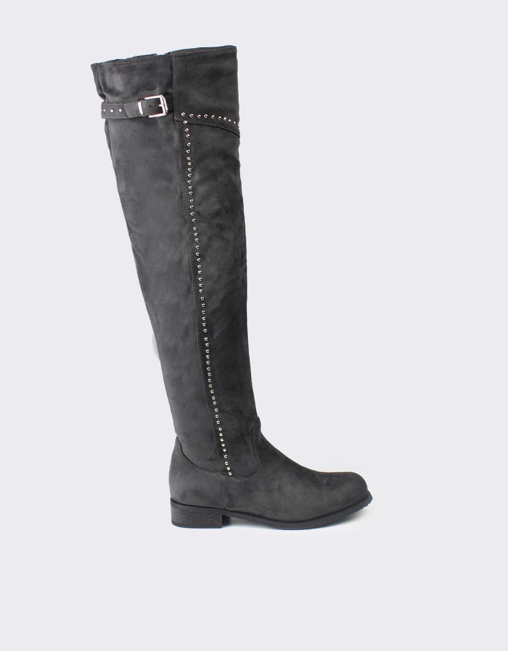 Εικόνα από Γυναικείες μπότες με stubs Γκρι