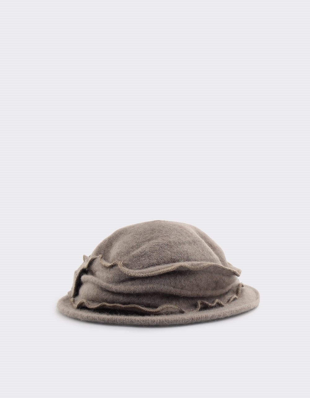 Εικόνα από Γυναικεία καπέλα με διακοσμητικό φιόγκο Πούρο