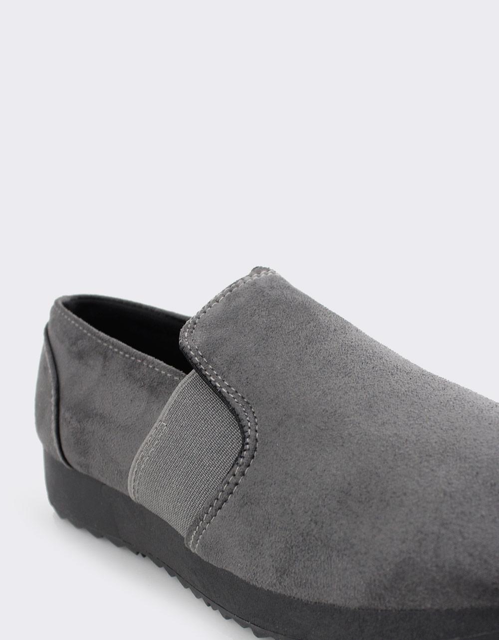Εικόνα από Γυναικεία loafers μονόχρωμα με λάστιχο Γκρι