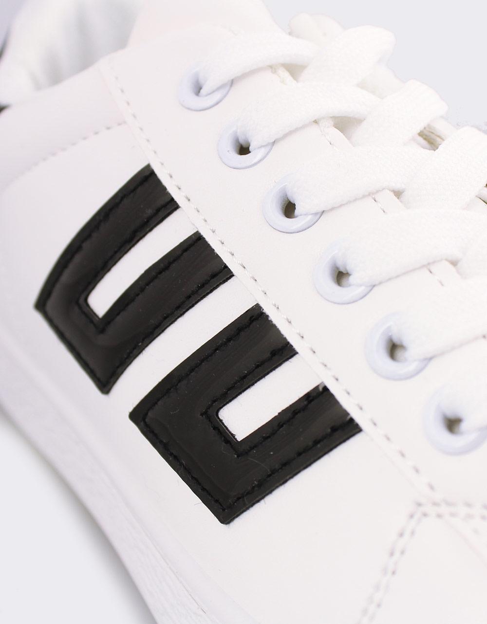 Εικόνα από Γυναικεία sneakers με λεπτομέρειες Λευκό/Μαύρο