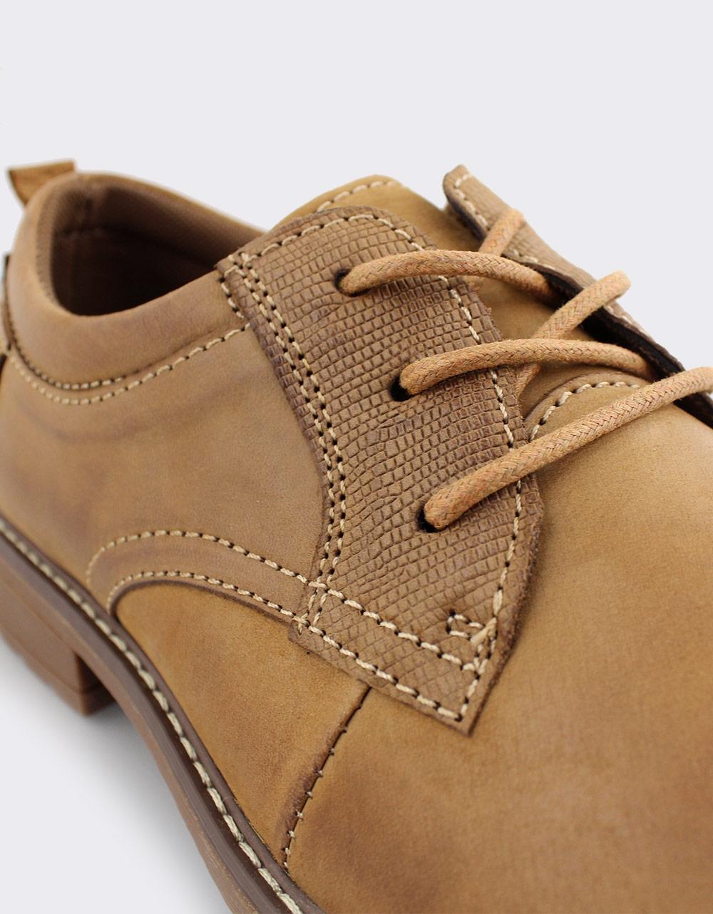 Εικόνα από Ανδρικά δερμάτινα loafers με ανάγλυφο σχέδιο Κάμελ