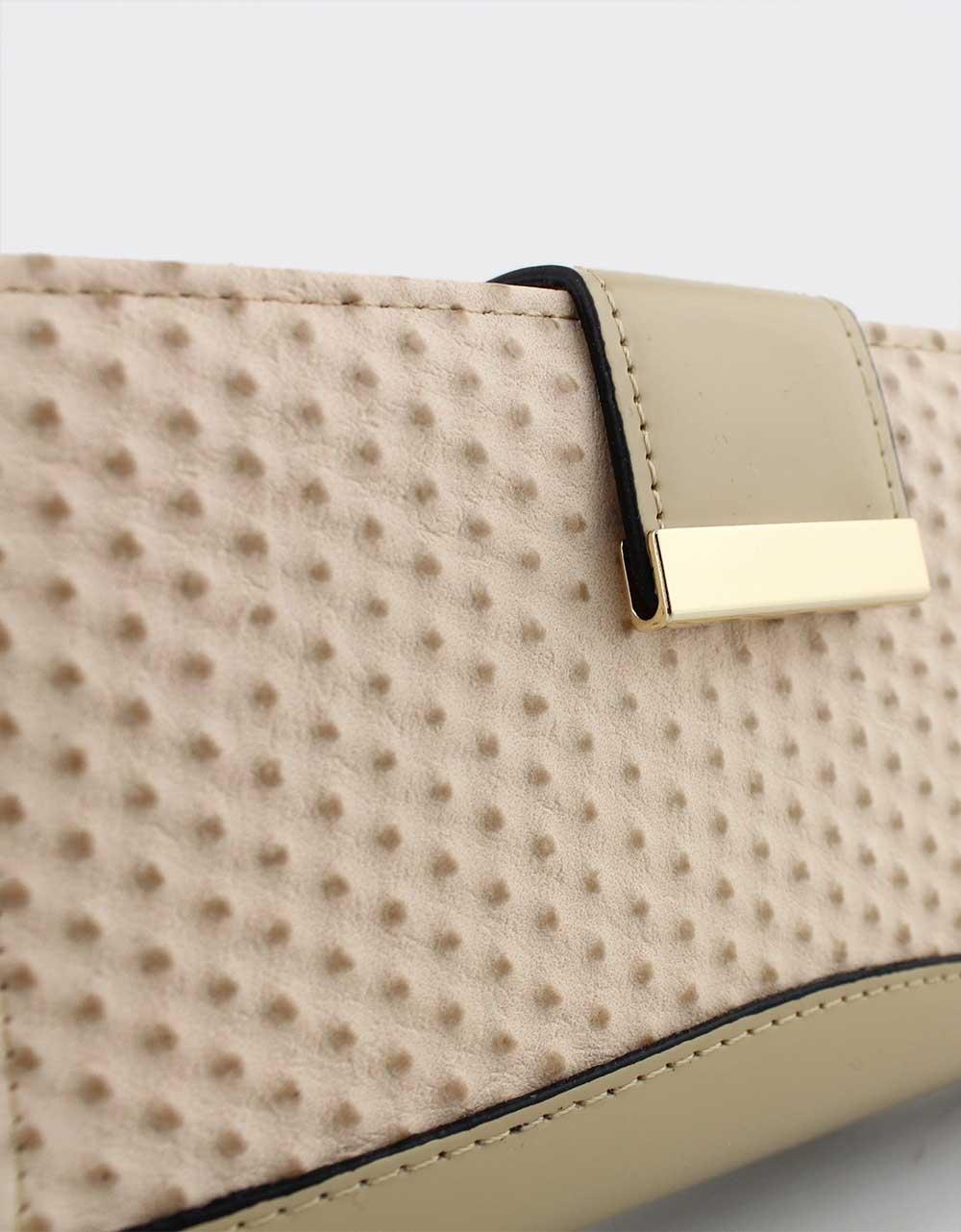 Εικόνα από Γυναικεία πορτοφόλια με ανάγλυφο σχέδιο Μπεζ