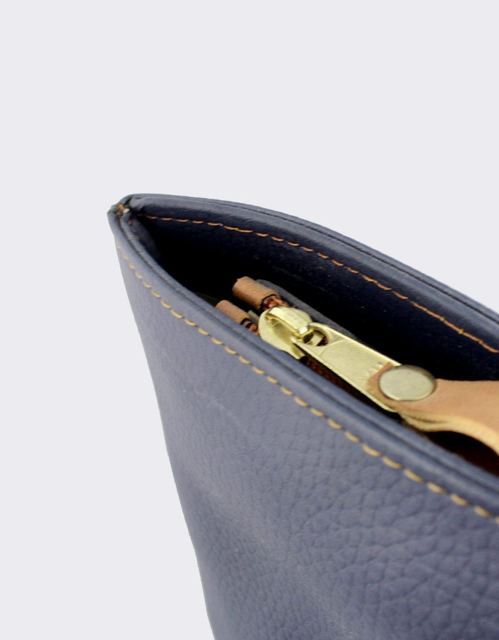 Εικόνα από Γυναικείες τσάντες ώμου με λουράκια Μπλε