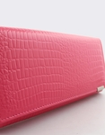Εικόνα από Γυναικεία πορτοφόλια δερμάτινα με κροκό μοτίβο Ροζ