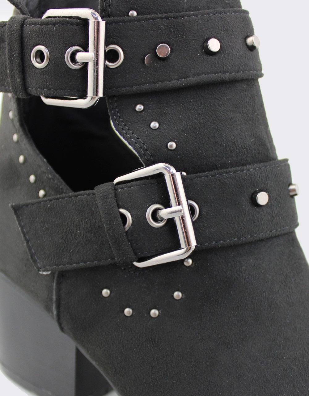 Εικόνα από Γυναικεία μποτάκια με πλαϊνό άνοιγμα και τρουκς Μαύρο