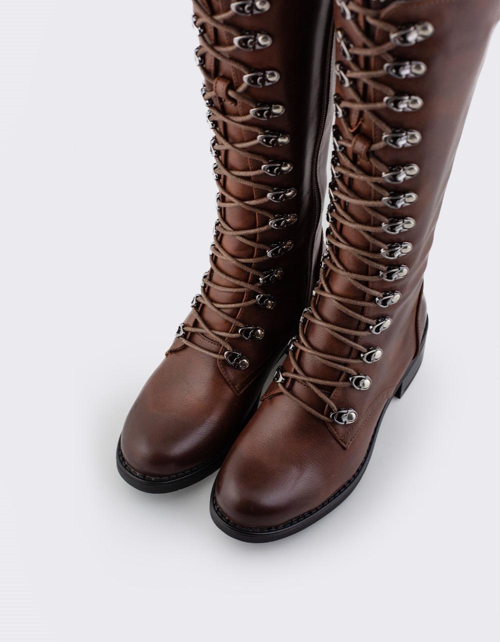 Εικόνα από Γυναικείες μπότες με κορδόνια Καφέ