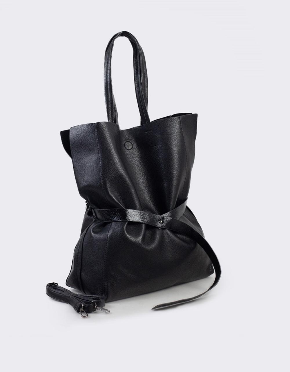 Εικόνα από Γυναικεία τσάντα με διακοσμητική ζώνη Μαύρο