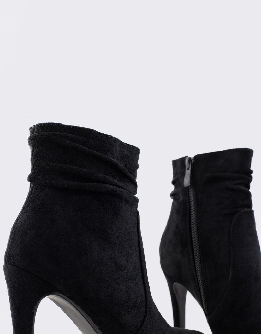 Εικόνα από Γυναικεία μποτάκια με φιάπα Μαύρο