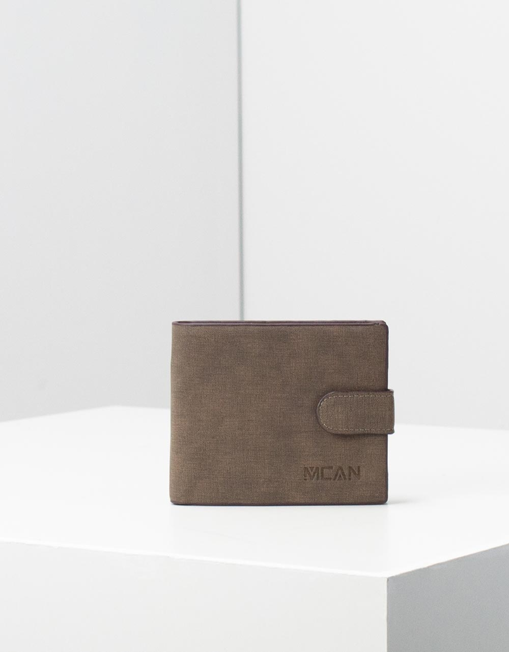 Εικόνα από Ανδρικά πορτοφόλια μονόχρωμα Καφέ