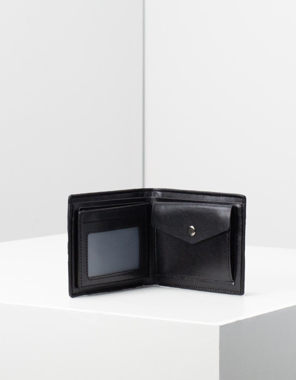 Εικόνα από Ανδρικά δερμάτινα πορτοφόλια με διακοσμητικές ρίγες Μαύρο