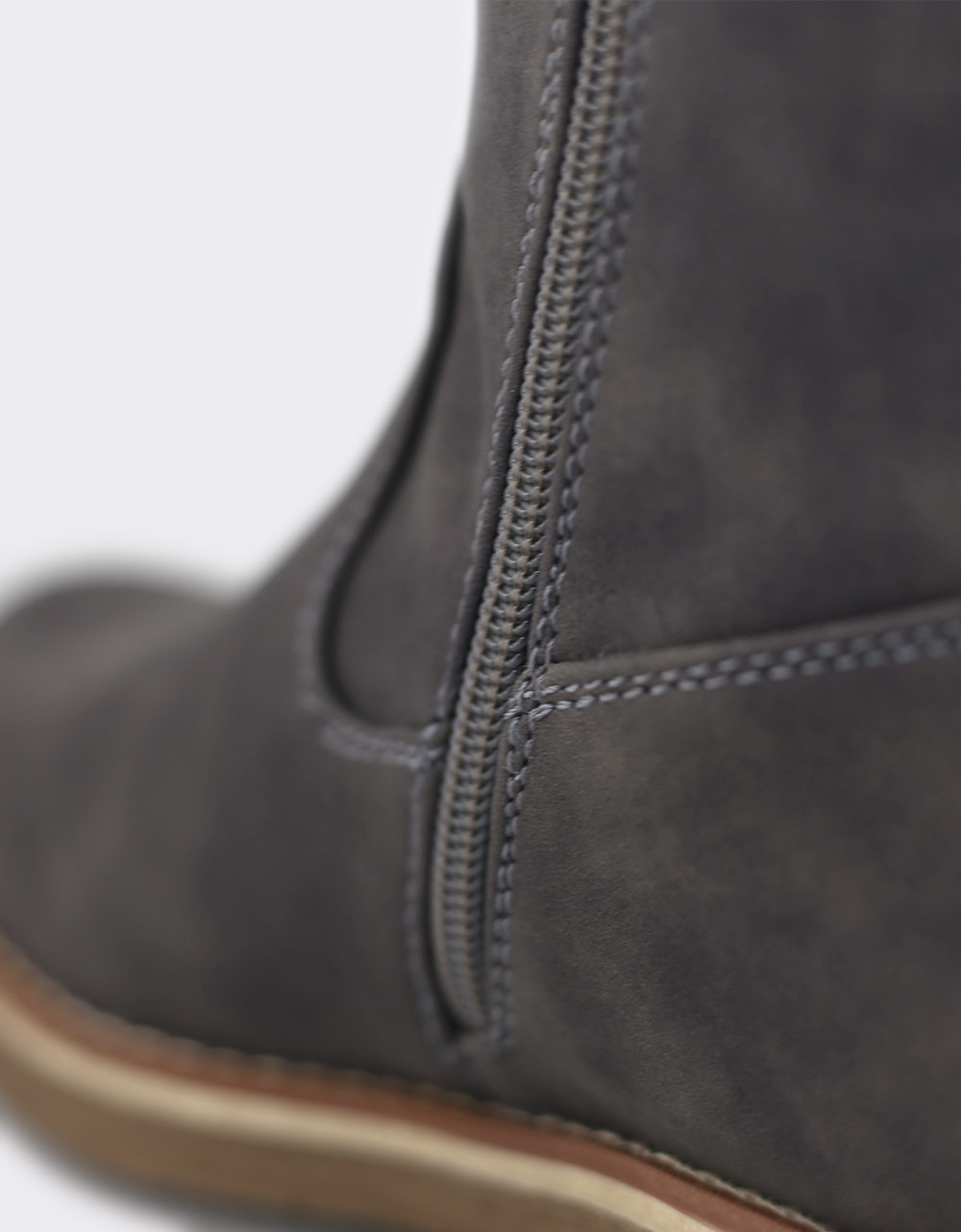 Εικόνα από Γυναικείες μπότες με γουνάκι Γκρι