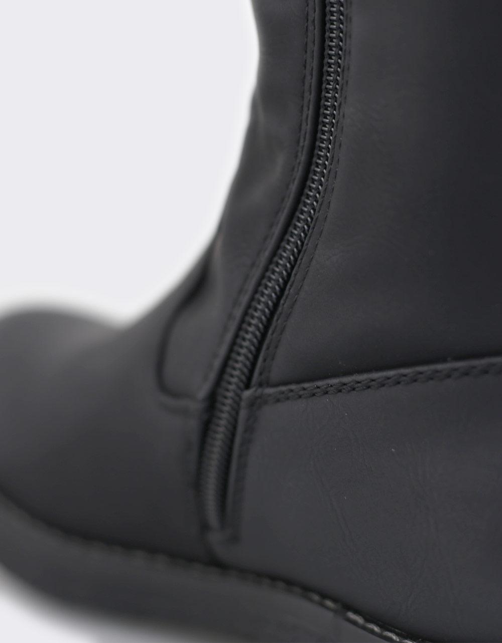 Εικόνα από Γυναικείες μπότες με γουνάκι Μαύρο
