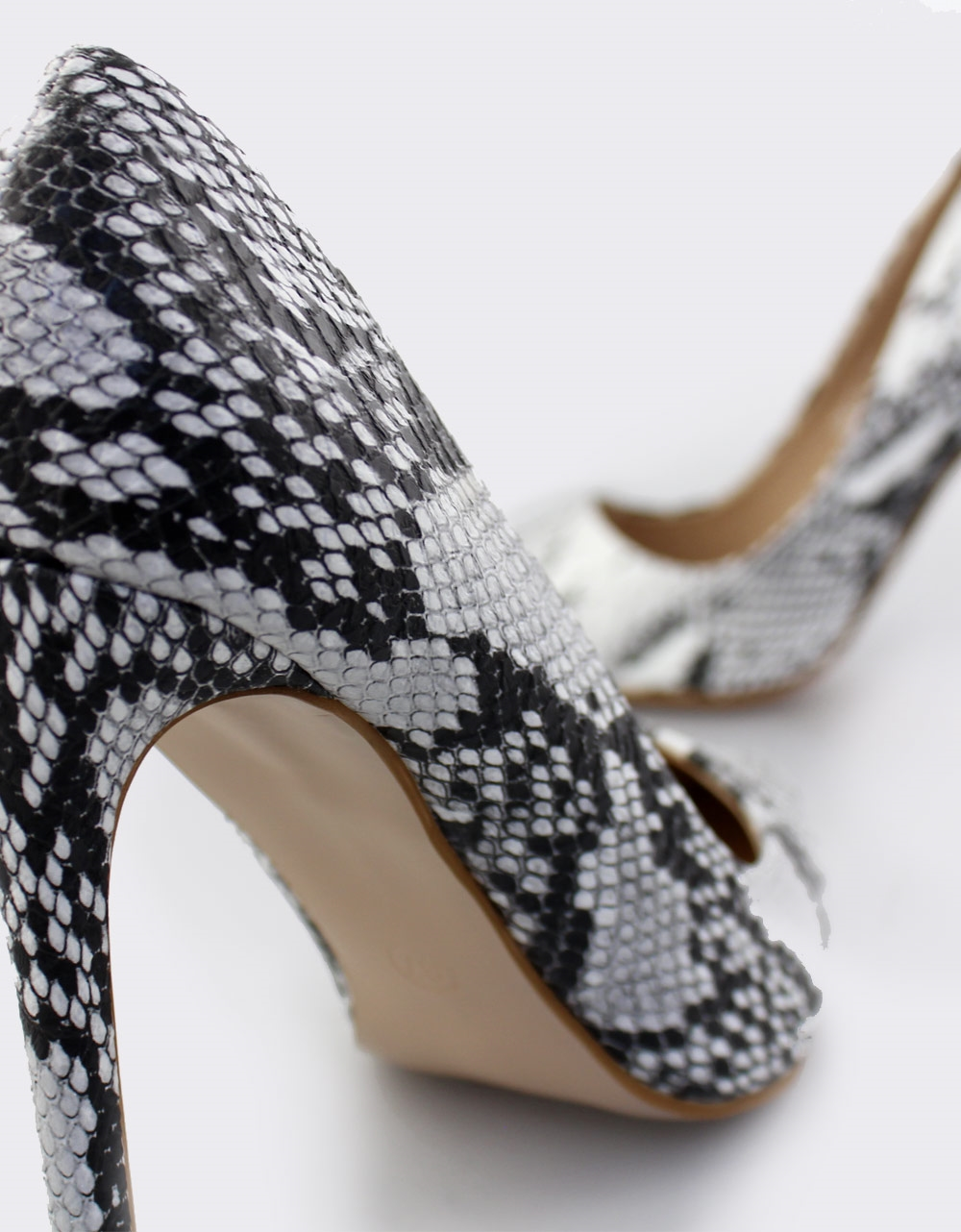 Εικόνα από Γυναικείες γόβες snake skin Λευκό