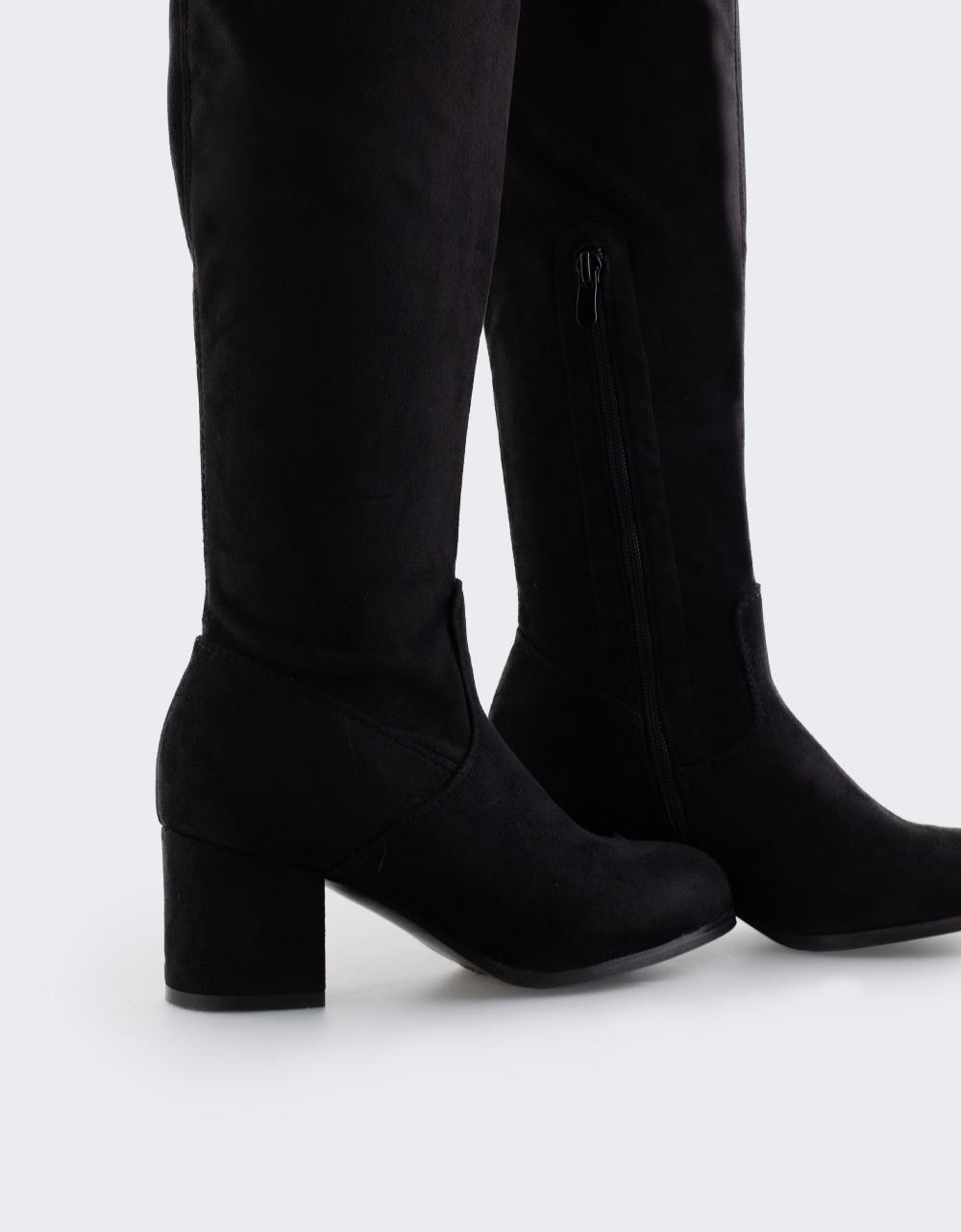 Εικόνα από Γυναικείες μπότες με χαμηλό τακούνι Μαύρο